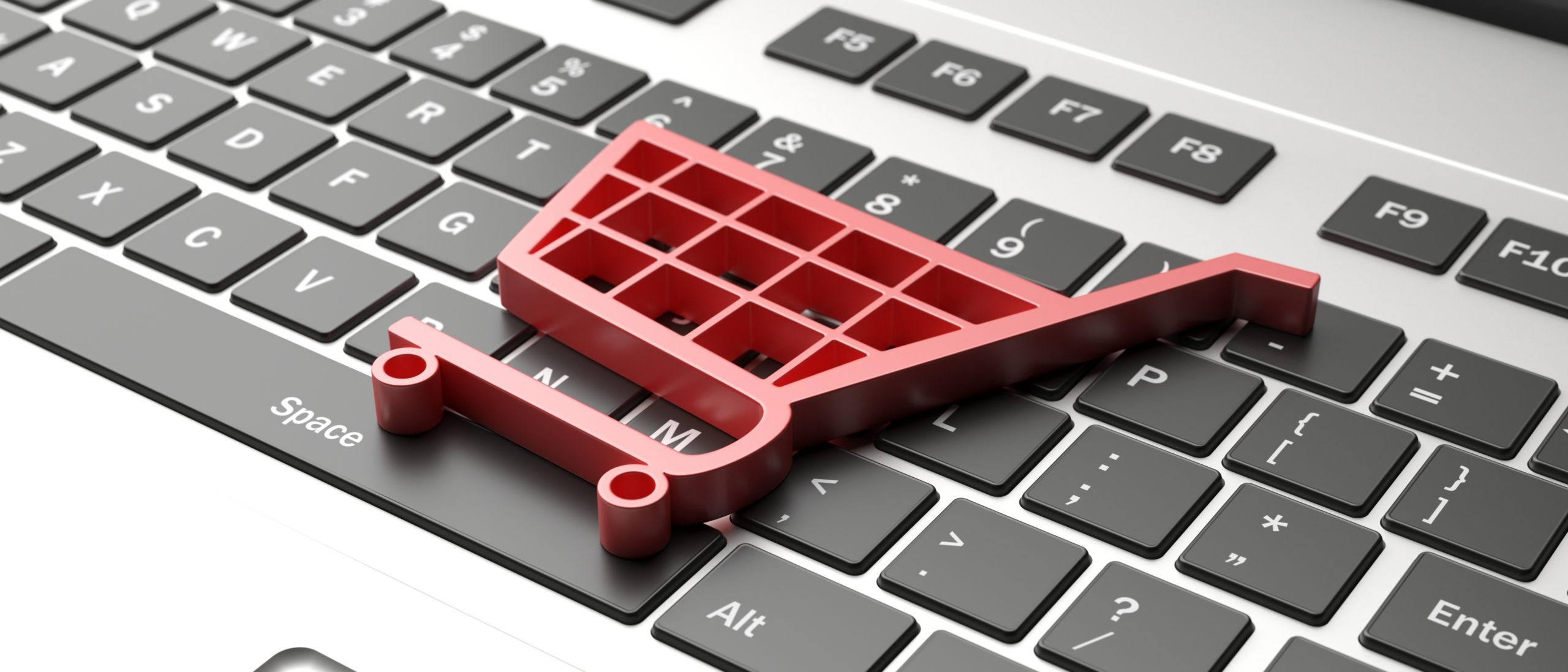 brand | e commerce symbol on a computer keyboard black fri PV7TGNB scaled